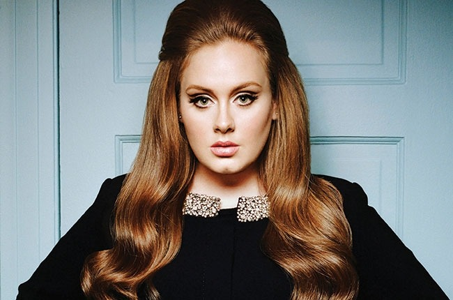 Adele, brilliant and active songwriter- looking cute via her new pic