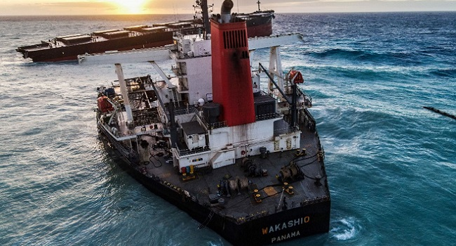 France on it again, as they sends experts to examine ship ground off to Mauritius