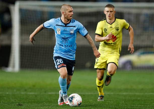 BREAKING: Sydney FC beats Wellington Phoenix 2-1